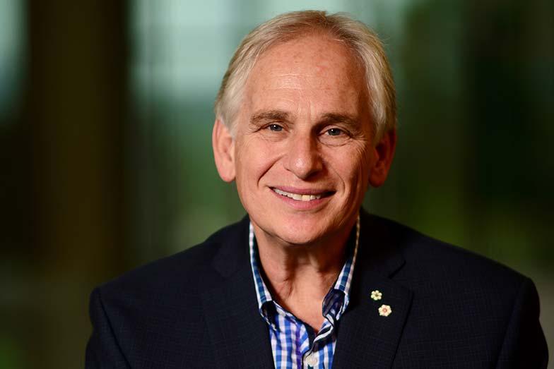 Dr. Larry Goldenberg Receives Societe Internationale D'Urologie Distinguished Career Award