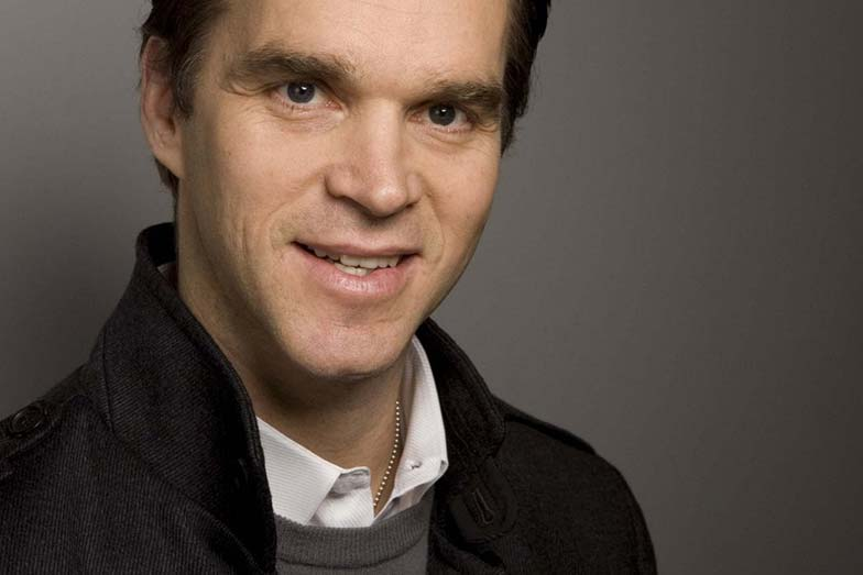 Hockey Hall of Famer Luc Robitaille joins All Star Champion Roster to Rally for CMHF